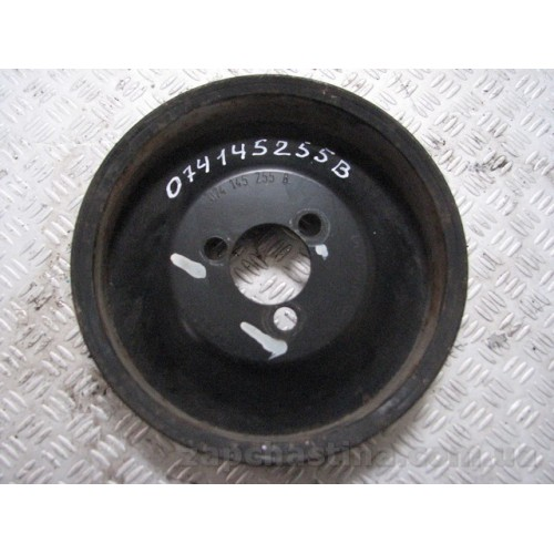 Шкив насоса гидроусилителя руля  VW Transporter T4 2.5 2.4  074145255B
