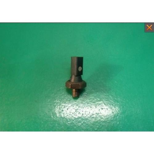 Датчик давления масла 06A919081C Volkswagen Polo