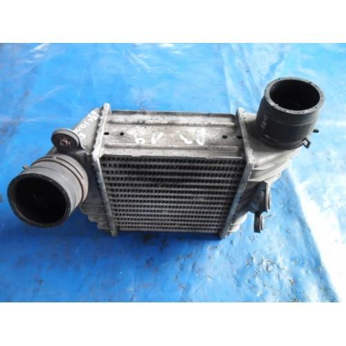 Pадиатор интеркуллера 1H0147805B Volkswagen Golf 3