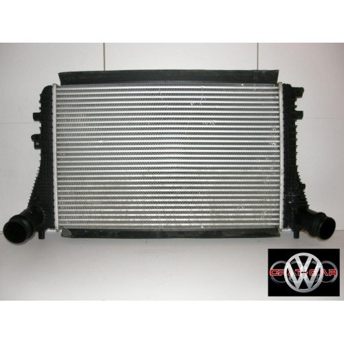 Радиатор интеркуллера 3C0145805AD Volkswagen Passat B7
