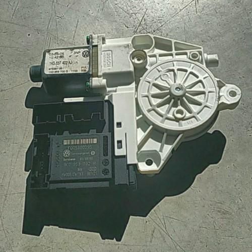 Моторчик стеклоподемника переднего (R) VW Golf 5, 1K0959792M