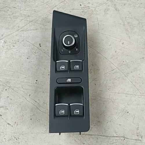 Блок управления стеклоподъемниками VW Passat B7, Tiguan, 5K4959857