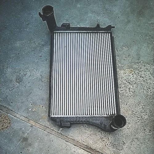 Радиатор интеркуллера Skoda Octavia A5, 1K0145803AM
