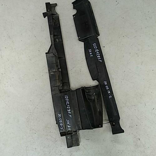 Дефлектор передней панели Skoda Octavia A5, 1Z0121285F