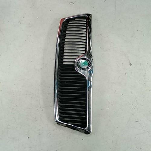Решетка радиатора Skoda Octavia A5, 1Z0853668