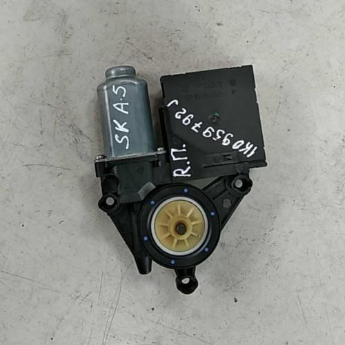 Моторчик стеклоподемника передний (R) Skoda Octavia A5, 1K0959792J