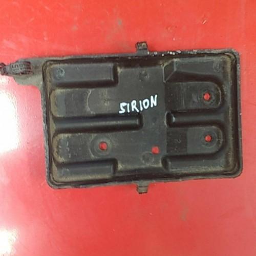 Подставка под аккумулятор Daihatsu Sirion