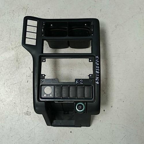Консоль центральная VW Caddy 3, 6n1858071a