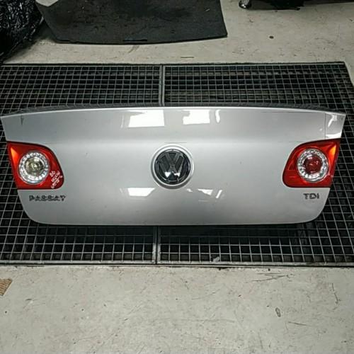 Крышка багажника VW Passat B6 седан, серая