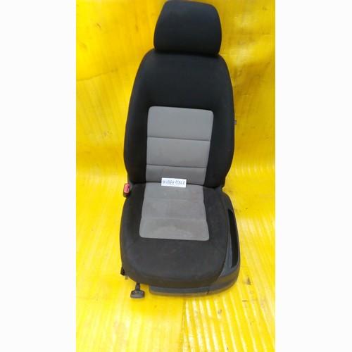 Сиденье 1K4881105LR Volkswagen Passat B6