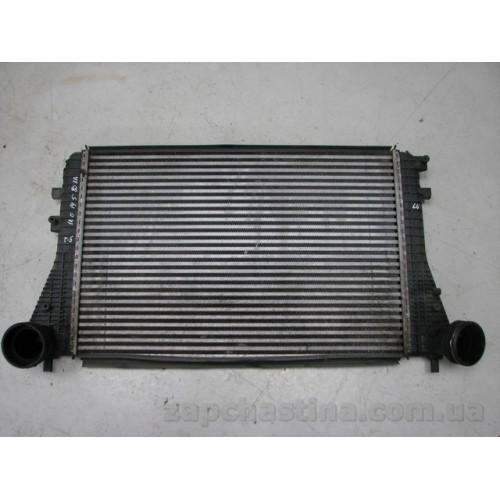 Б/у радиатор интеркуллера для Volkswagen GOLF V 2.0 TDI AUDI A3 SKODA OCTAVIA SEAT 1K0145803A