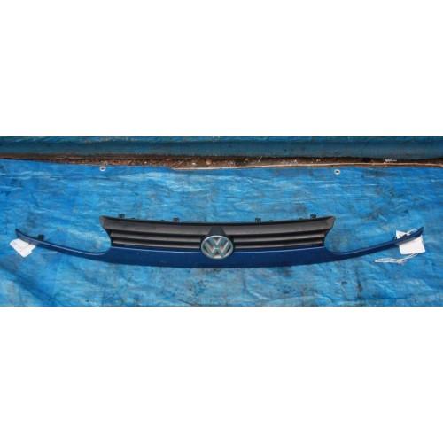 Решётка радиатора 1H6853653 Volkswagen Golf 3