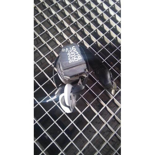 Ремень безопасности задний (L) VW Golf 4, 1J6857805B