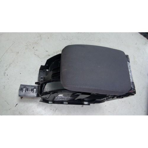 Подлокотник VW Golf 5, 1K5864251c