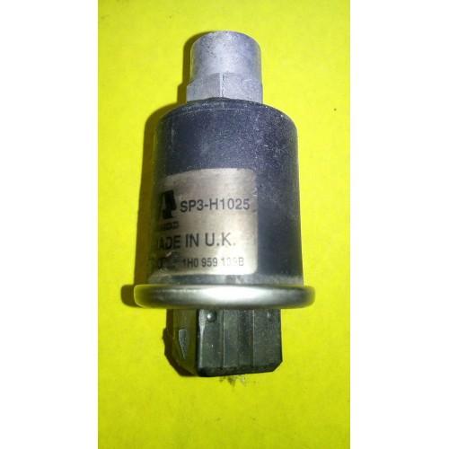 Датчик давления кондиционера VW Golf 4, (1995-2004), 1h0959139B