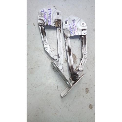 Петля капота (R) VW Caddy 3, 1t0823302B