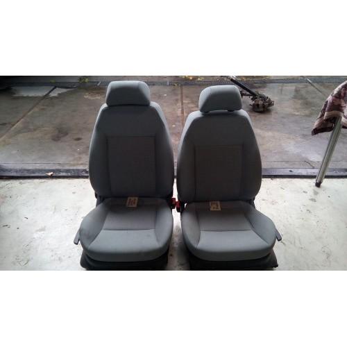 Сиденье переднее (R/L) Seat Ibiza, (2004)