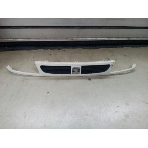 Решетка радиатора Seat Inca, 6k5854643