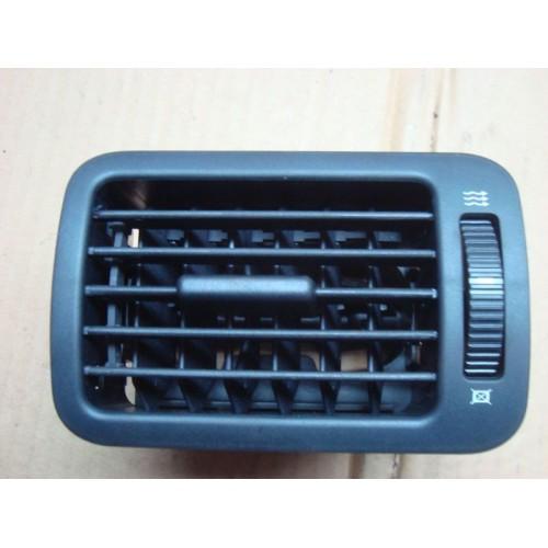 Дефлектор обдува салона 1U1819702 Skoda Octavia