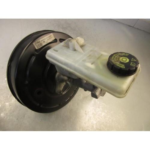 Вакуумный усилитель тормозов 2.0DCI 8200506830 Opel Vivaro Renault Trafic